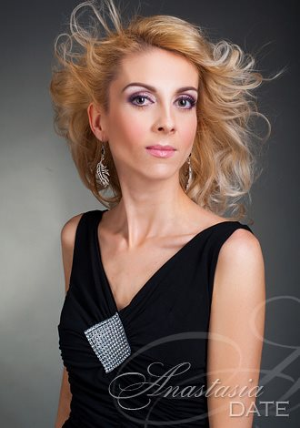 Most gorgeous women: Romana from Prague, Russian lady picture